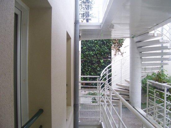 Qualys Hotel Apolonia Mouffetard Paris 5 : la vista dalla mia camera