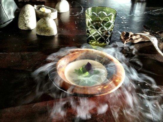 Vue de Monde: Amazing presentation of amazing tasting food!