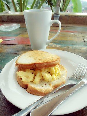 Lemon House: our breakfast