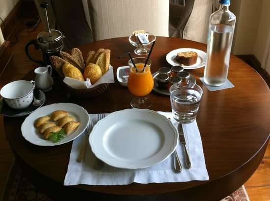 Hotel Ploes : Breakfast