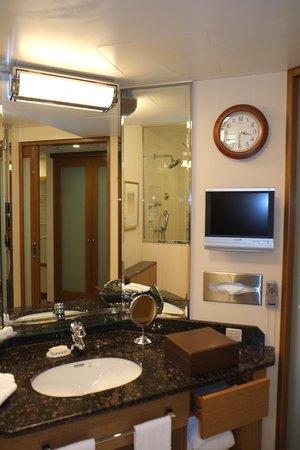 Imperial Hotel Tokyo : Bathroom