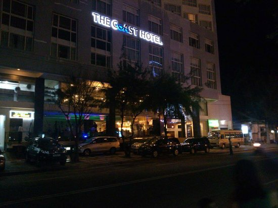 The Coast Hotel: Fontview - nightday
