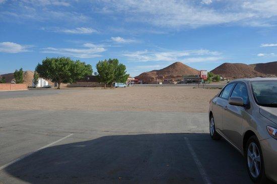 Whispering Sands Motel: Uitzicht op het motel