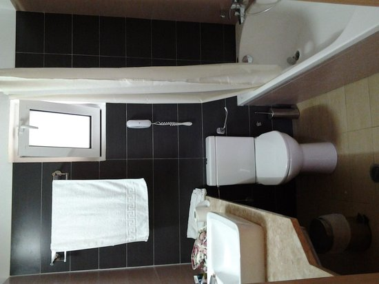 Matina Pefkos Aparthotel: bathroom2