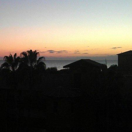 Senza Inova Beach Hotel: Night view after the sunset
