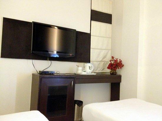 Hotel Yug Villa: Хороший номер. есть все необходимое, чайник с чаем и кофе