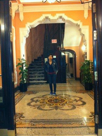 Hospedaje Romero: hall del edificio
