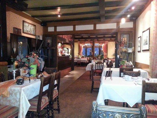 Weinhaus Weiler: Dining Room