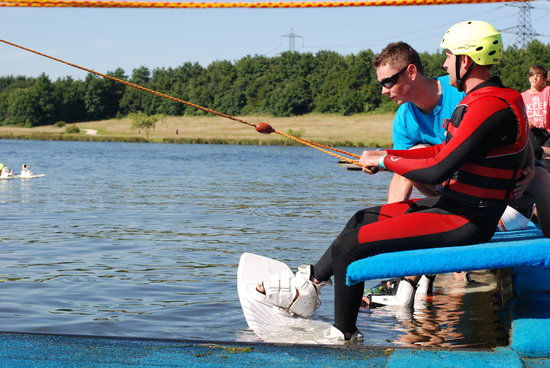 Sheffield Cable Waterski : Learn to wakeboard