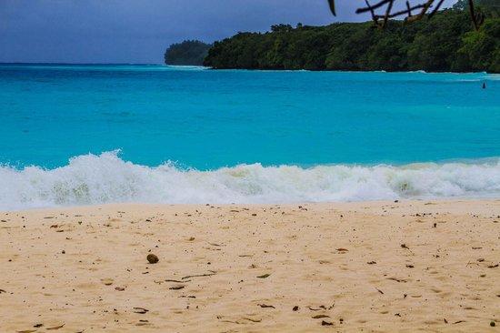 Champagne Beach: Beach 2