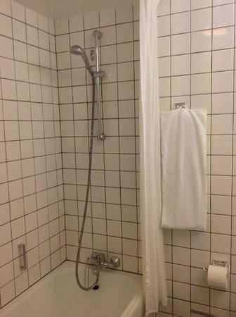 Hotel Jutlandia: Bath / Shower