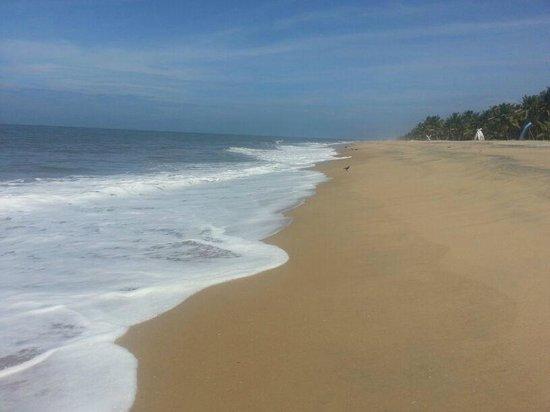Abad Turtle Beach: beach again