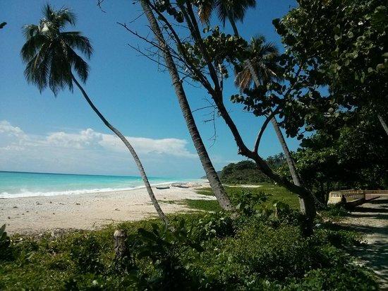 Hotel Piratas del Caribe: Paseo del hotel hasta un rio cercano