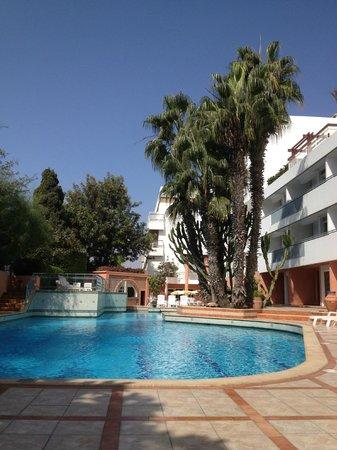 Hotel Kamal: Kamal Hotel