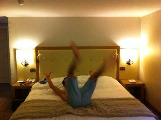 Hotel Les Sources des Alpes: Comfortable beds!