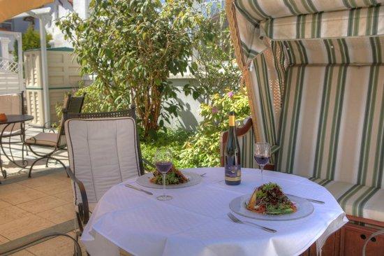 SEETELHOTEL Hotel Esplanade: Sommerterrasse