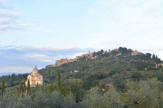 Agriturismo il Palazzo dei Diavoli: Montepulciano at sunset
