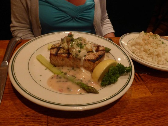 RT's Restaurant: Alexandria - RT's - swordfish