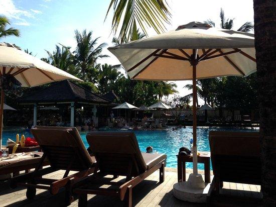 Padma Resort Legian: Seruni Sunken Pool Bar