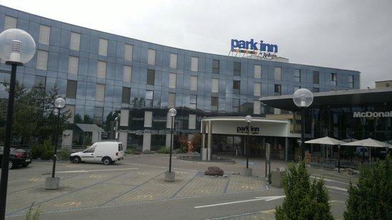Park Inn by Radisson Zurich Airport : park inn