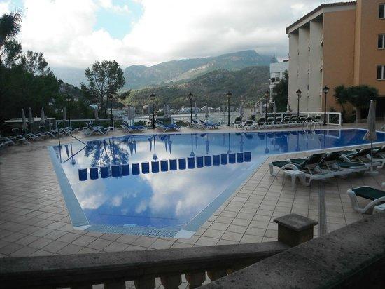 SENTIDO Porto Soller: Pool.