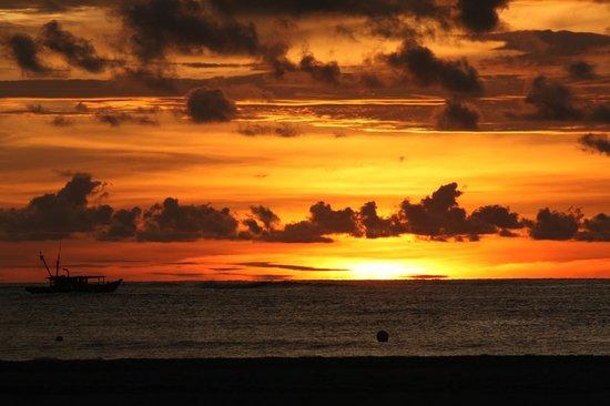 Kota Kinabatangan, Malaysia: Spectacular daily sunsets