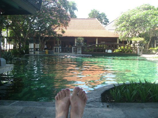 Besakih Beach Hotel: Main pool