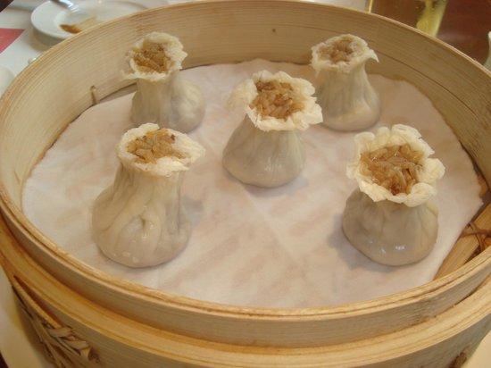 Nanjing Ding Tai Fung (Nanjing West Road) : Sticky rice dumplings