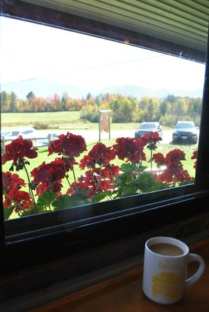 Polly's Pancake Parlor : mountain views from the dining area