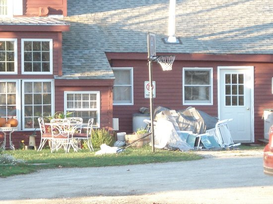 The Colonial House Inn & Motel: Outside storage?
