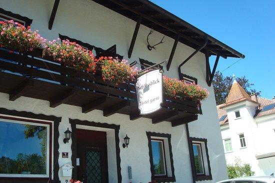 Hotel Garni Schlossblick : Hotel entrance