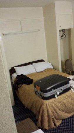 The County Hotel: la chambre
