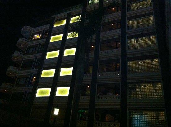 ABC Hotel: 外観