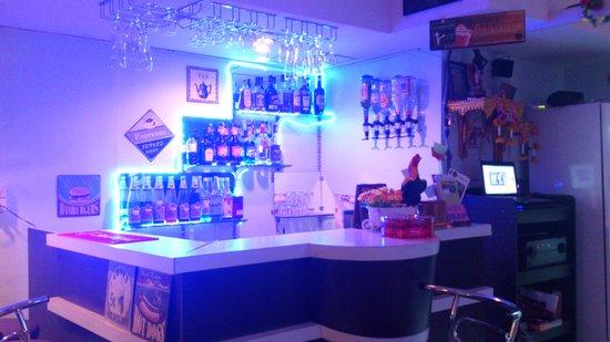 Sawadee Bar and Restaurant: shawadee