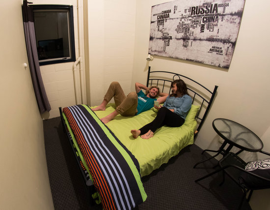Rock Solid Backpackers: Private Double Room