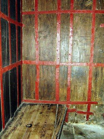 Tolhouse Museum: prison cell