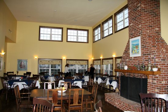 The Inn at St. Peters: Dinning room