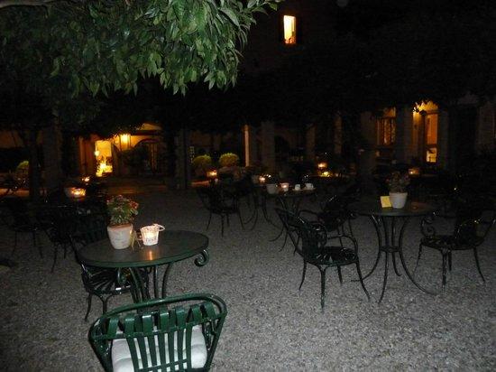Hotel Santa Maria: Outdoor area