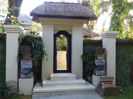 The Gangsa Private Villa by Kayumanis: Entrance of the Villa