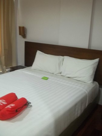 Tune Hotel Waterfront Kuching: Queen Bed