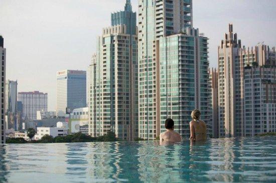 Sivatel Bangkok: Infinity Swimming Pool