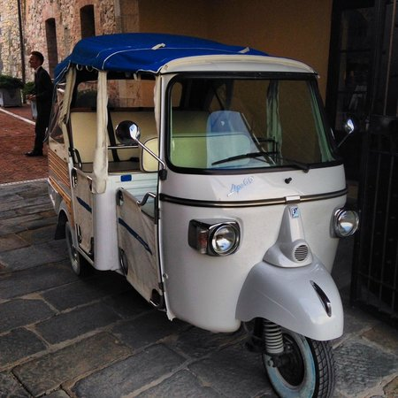 Castel Monastero: Cool means of transport