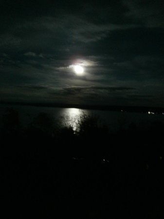 Holiday Inn Express Munising -  Lakeview : Our view of the lake at night...