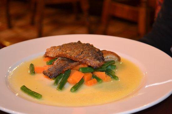 Weavers Inn: Sea Bass