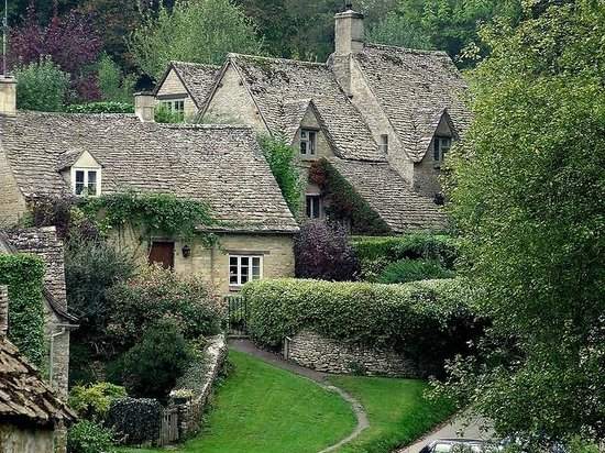 Cool The 10 Best Bibury Cottages Villas With Prices Find Download Free Architecture Designs Lukepmadebymaigaardcom