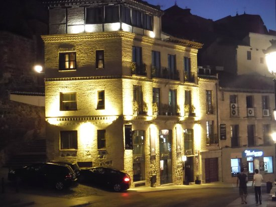 Hotel Abad Toledo: Abad by night