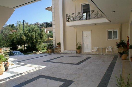 Areti-Maria Apartments : Κοινόχρηστος χώρος