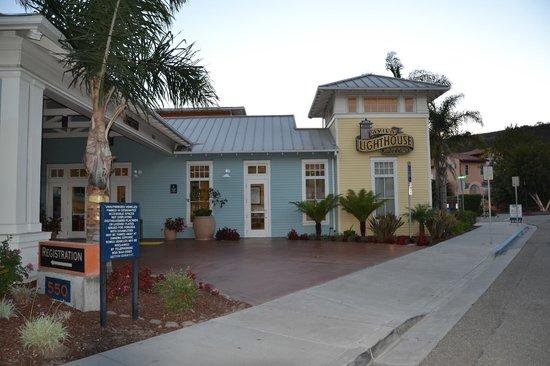 Avila Lighthouse Suites: Entrance