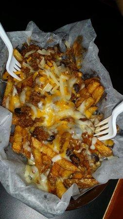Fuego Lento BBQ: Good Chili cheese fries