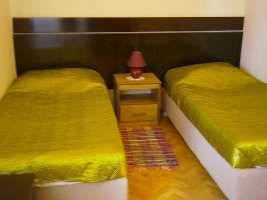 Villas Arbia - Villas Rio & Magdalena: Second bedroom in family room